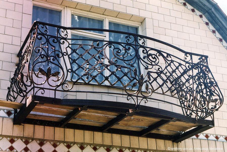 Кованые балконы - разновидности, характеристики и монтаж.