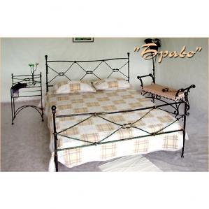 Фото кованой кровати Браво