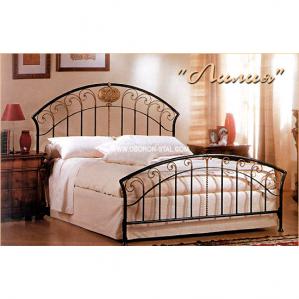 Фото кованой кровати Лилия