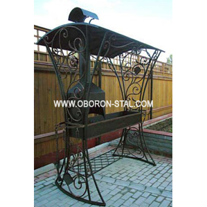 Фото кованого садового мангала с крышей №11